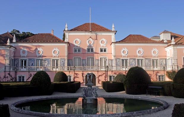 De olhos postos no Palácio de Belém | Entre | Vistas